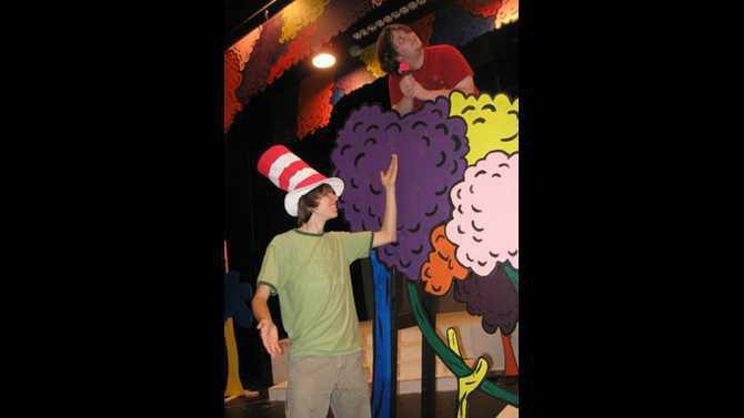 Seussical-the-Musical-vert-