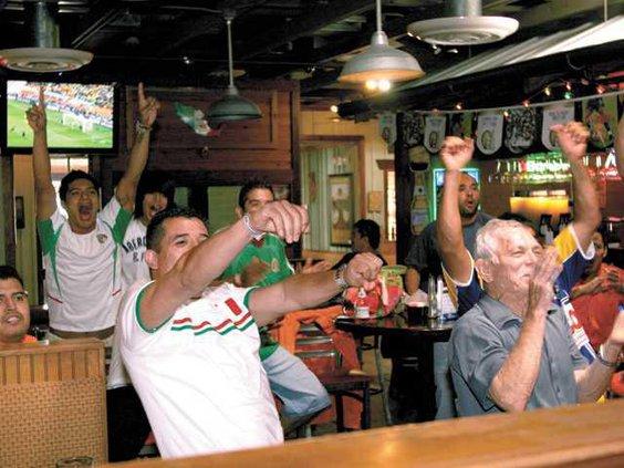 world-cup-watchers2