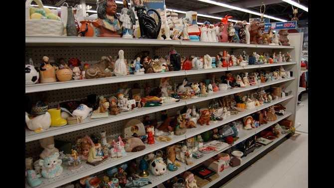 Goodwill.tchotchke.aisle