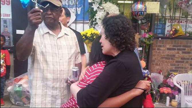 Mun-Cha-mother-hugs-Jimquez-Aikens-daughter-6-3-15