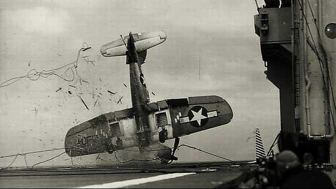 Bad-landing-for-a-Corsair