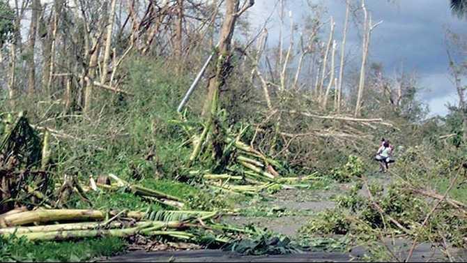 philippines-destruction-Inner-island-roads-going-to-Calinog-Iloilo-Island-of-Panay-Western-Region-facebook951309195353
