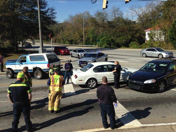 Cars collide at Emory and Washington