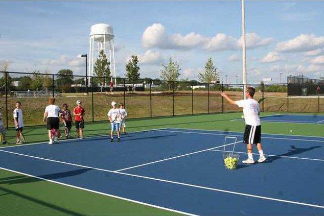 tennis-center---playing