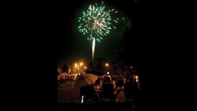 fab fourth fireworks 2011 IMG 9054