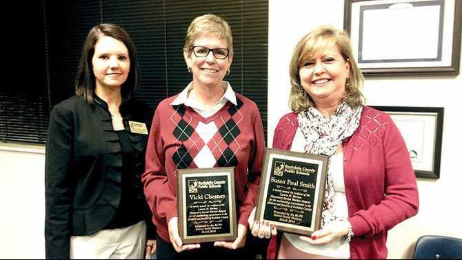 Repaired---Laura-Barnes-Social-Work-Award-winner-Vicki-Chesney-and-Susan-Paul-Smith-IMAG1168