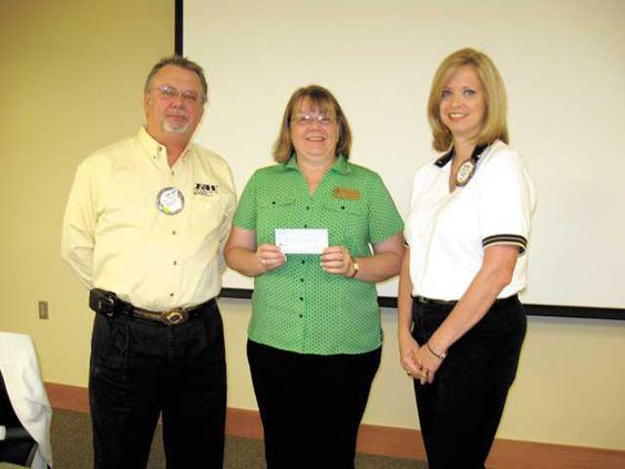 rotary-donation-to-renewal-