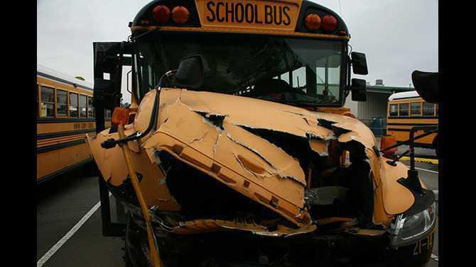 bus-crash-at-barn1
